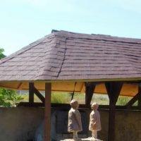 Conversation II w roof crop